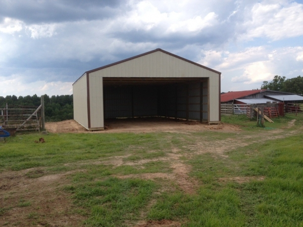Gallery pole horse barn projects near spencer wv for Hay shed plans